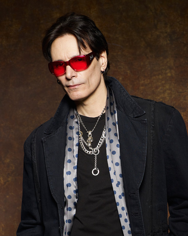 20150303_3578stevevai-600-article-e_600